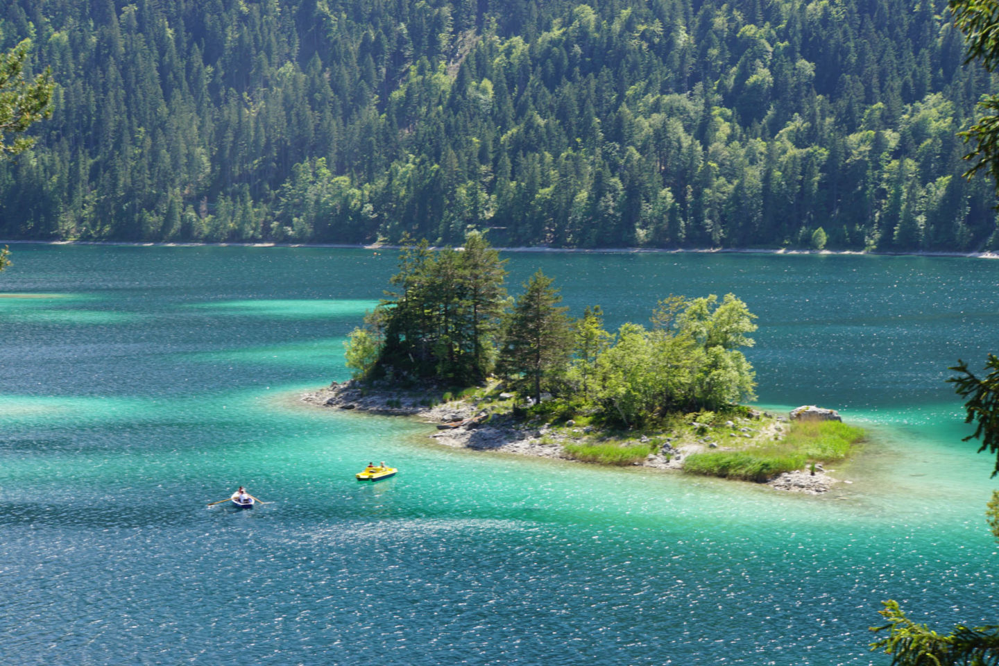 Views of the water of the Eibsee